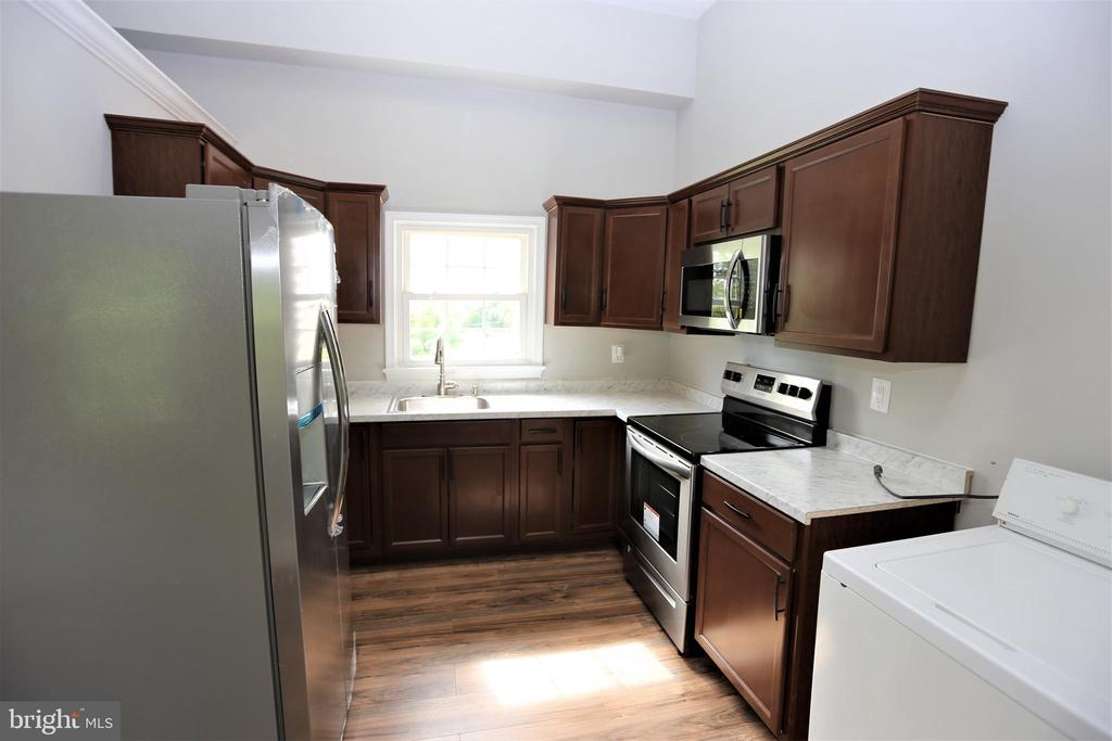Au Pair / In Law Guest House Kitchen~and Laundry - 28500 RIDGE RD, MOUNT AIRY