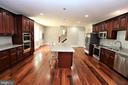 Spacious Gourmet Kitchen - 28500 RIDGE RD, MOUNT AIRY