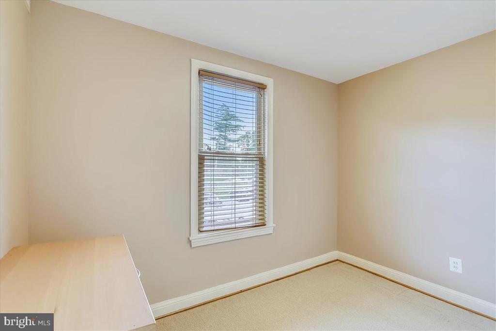Second Bedroom - 4402 1ST PL NE #33, WASHINGTON