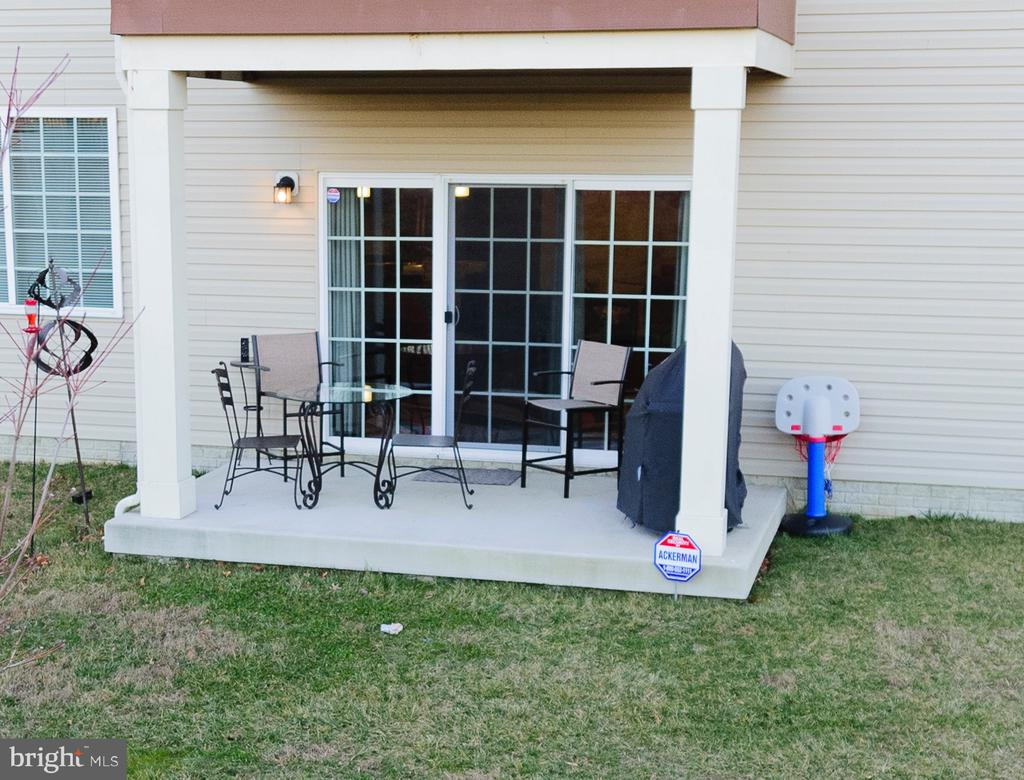 Private Peaceful Patio - 160 BURLEY ST #101, STAFFORD
