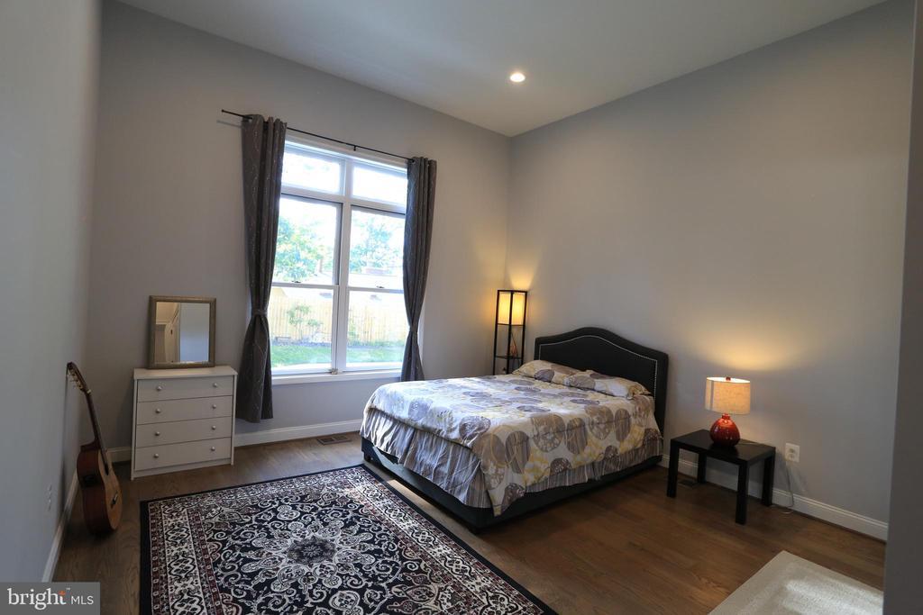 Main Level - Master Bedroom #3 - 10713 JONES ST, FAIRFAX