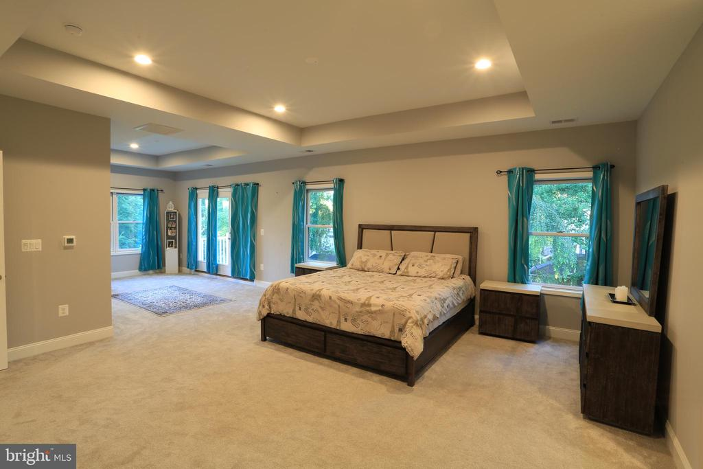 Upper-Level - Master Suite - 10713 JONES ST, FAIRFAX