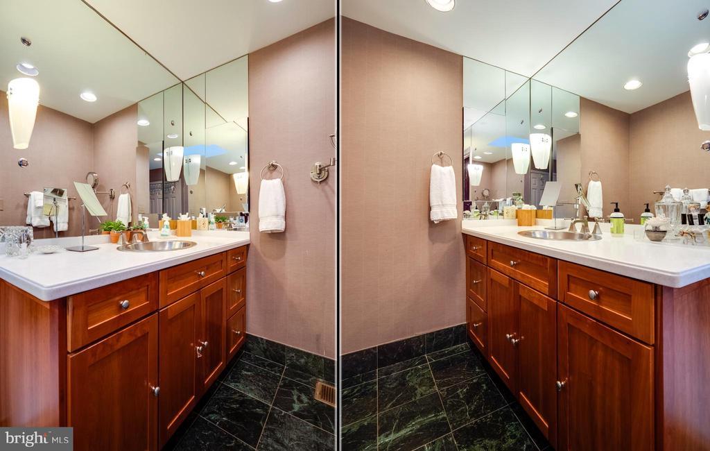Master bathroom - 112 5TH ST SE, WASHINGTON