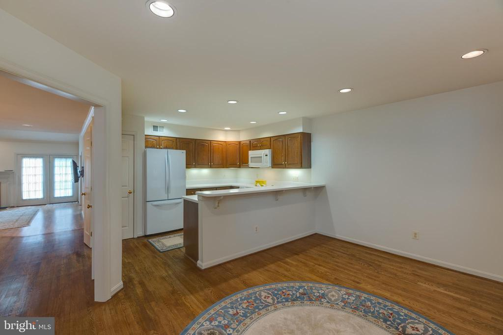 Casual dining w/recessed lighting. hardwood floors - 3208 N TACOMA ST, ARLINGTON