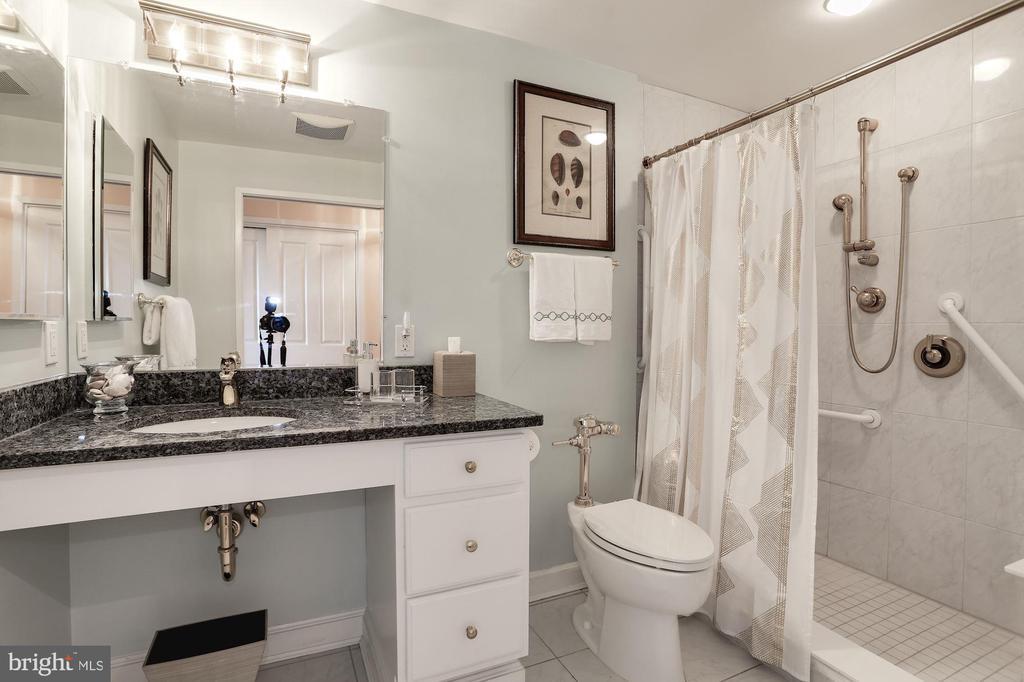MASTER BEDROOM BATH - 3101 NEW MEXICO AVE NW #1009, WASHINGTON