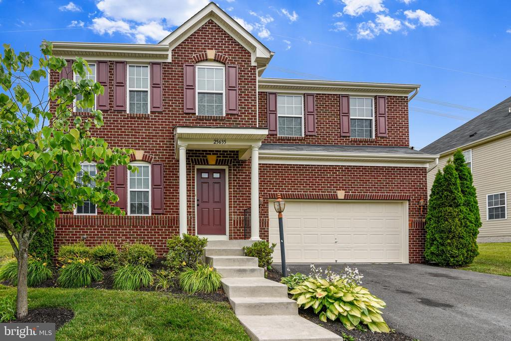 Greet the morning in this great east facing beauty - 25635 LAUGHTER DR, ALDIE