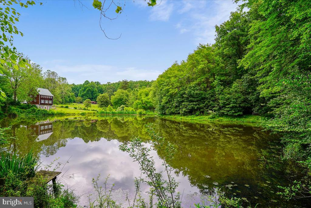 Pond views and non motorized access - 7447 CLIFTON RD, CLIFTON
