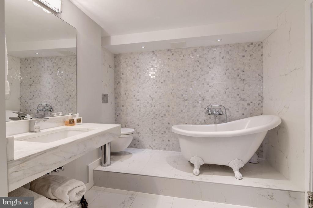 Master Bathroom 1 with Shower and Tub - 2500 VIRGINIA AVE NW #502/503, WASHINGTON