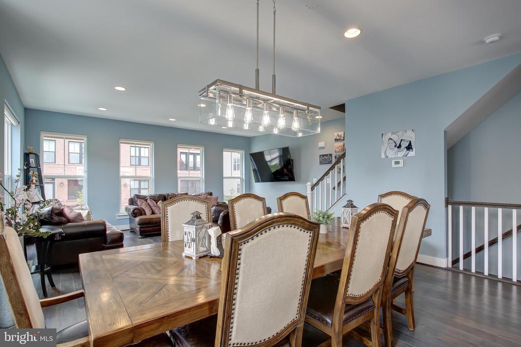 Natural separation between kitchen and living room - 22983 WORDEN TER, BRAMBLETON