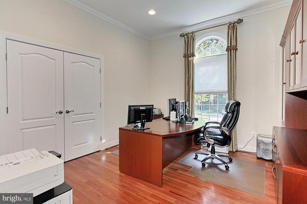 Main Level Office/Bedroom - 7307 ALLAN AVE, FALLS CHURCH