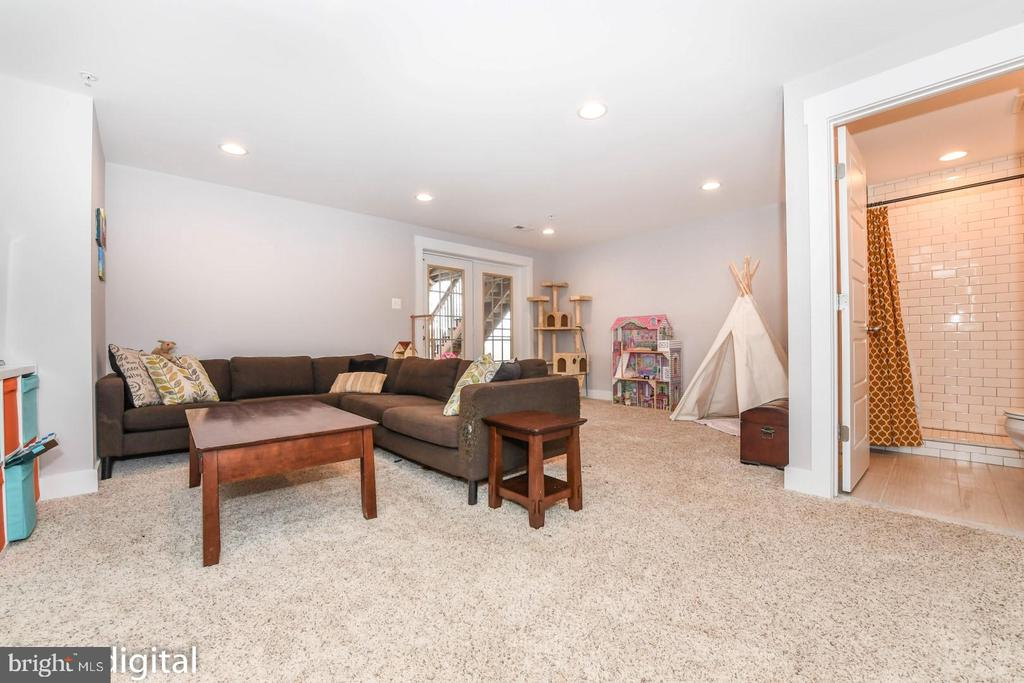 Example finished basement with full bath. - 9612 WOODLAND, NEW MARKET
