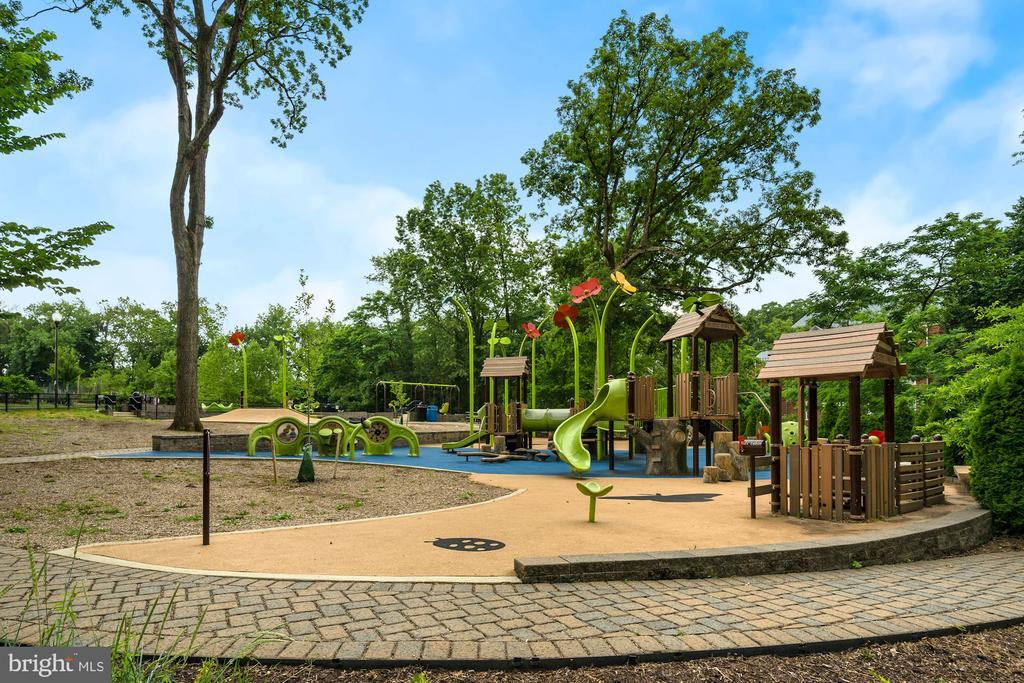 Newark Playground - 3740 39TH ST NW #B152, WASHINGTON