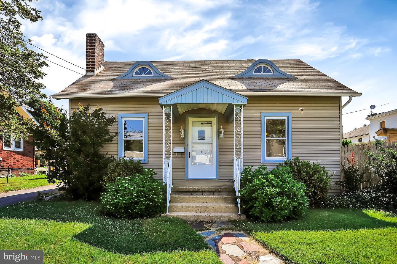 Single Family Homes por un Venta en Enola, Pennsylvania 17025 Estados Unidos