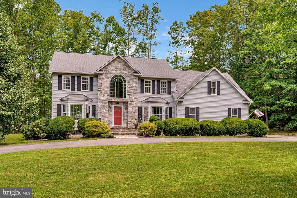 Welcome to the spectacular 109 Ashlawn Court - 109 ASHLAWN CT, LOCUST GROVE