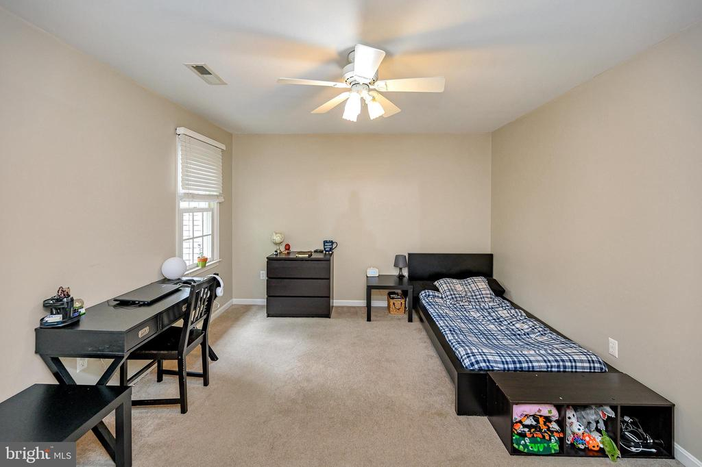 Bedroom #5 upper level - 109 ASHLAWN CT, LOCUST GROVE