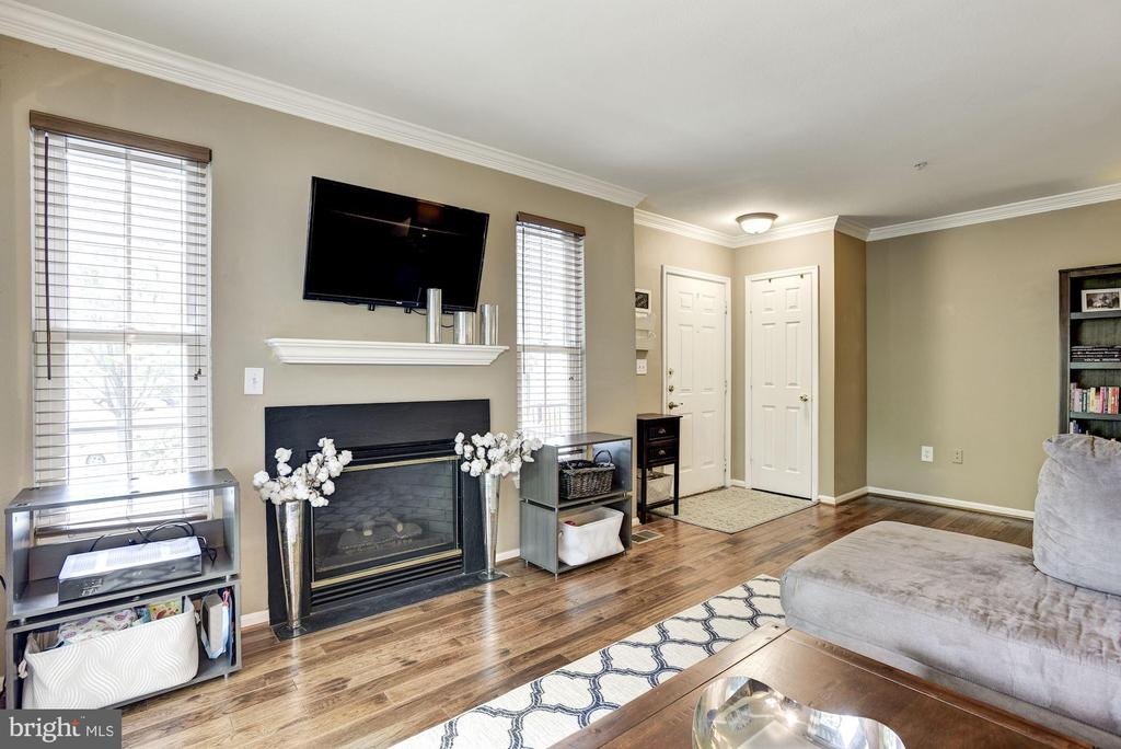 Living Room - Light, Bright, & Airy! - 12861 FAIR BRIAR LN, FAIRFAX