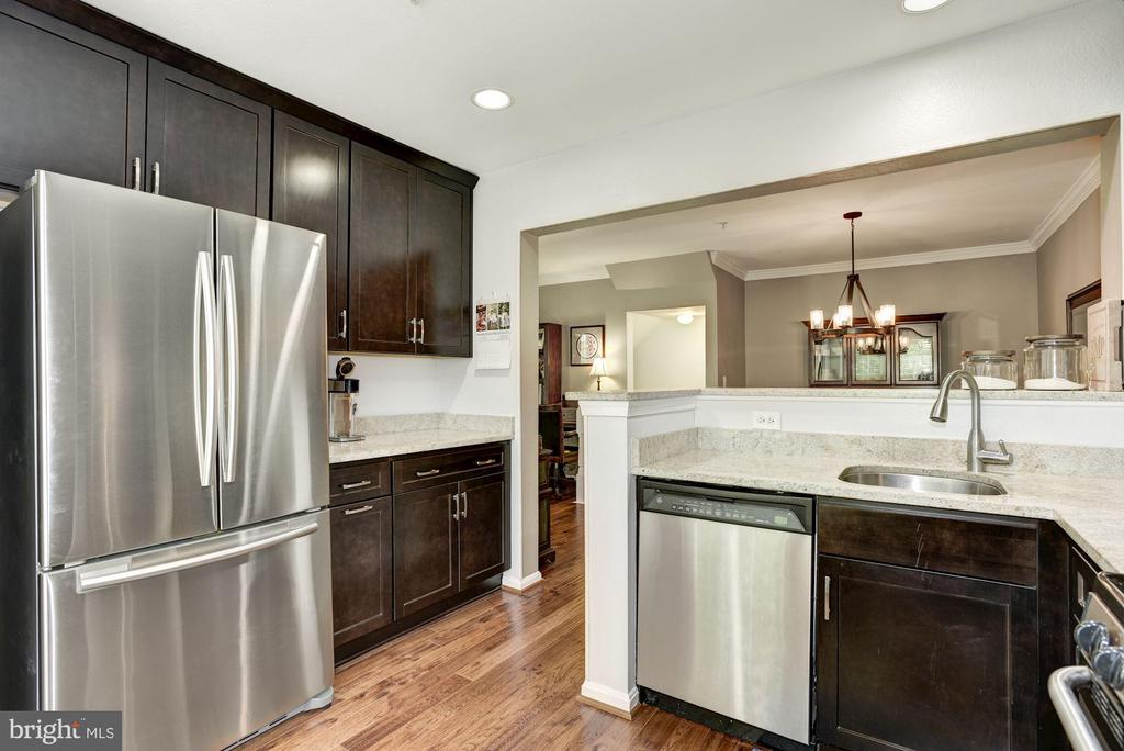 Kitchen - Hardwood Floors (New in 2018) - Granite! - 12861 FAIR BRIAR LN, FAIRFAX