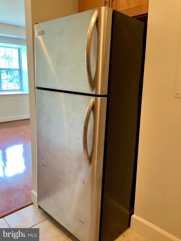 Frigidaire Statinless Steel Refrigerator - 3802 PORTER ST NW #302, WASHINGTON