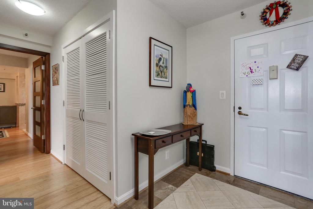 Foyer - 1600 N OAK ST #1419, ARLINGTON