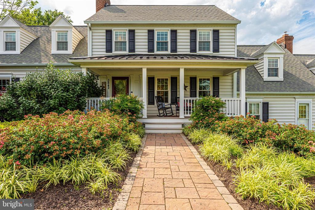 Greet Guests on the Delightful Front Porch - 3842 MOUNT AIRY DR, MOUNT AIRY