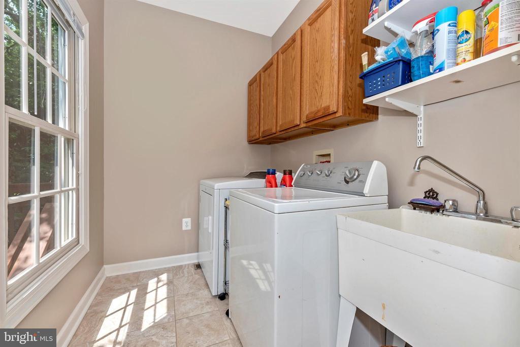 Laundry Room - 5626 BROADMOOR TER N, IJAMSVILLE