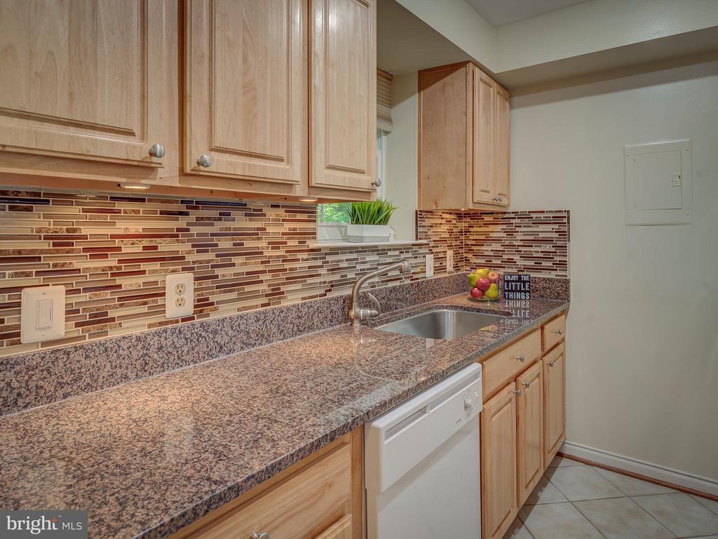 Granite Countertops - 2603 S WALTER REED DR #A, ARLINGTON