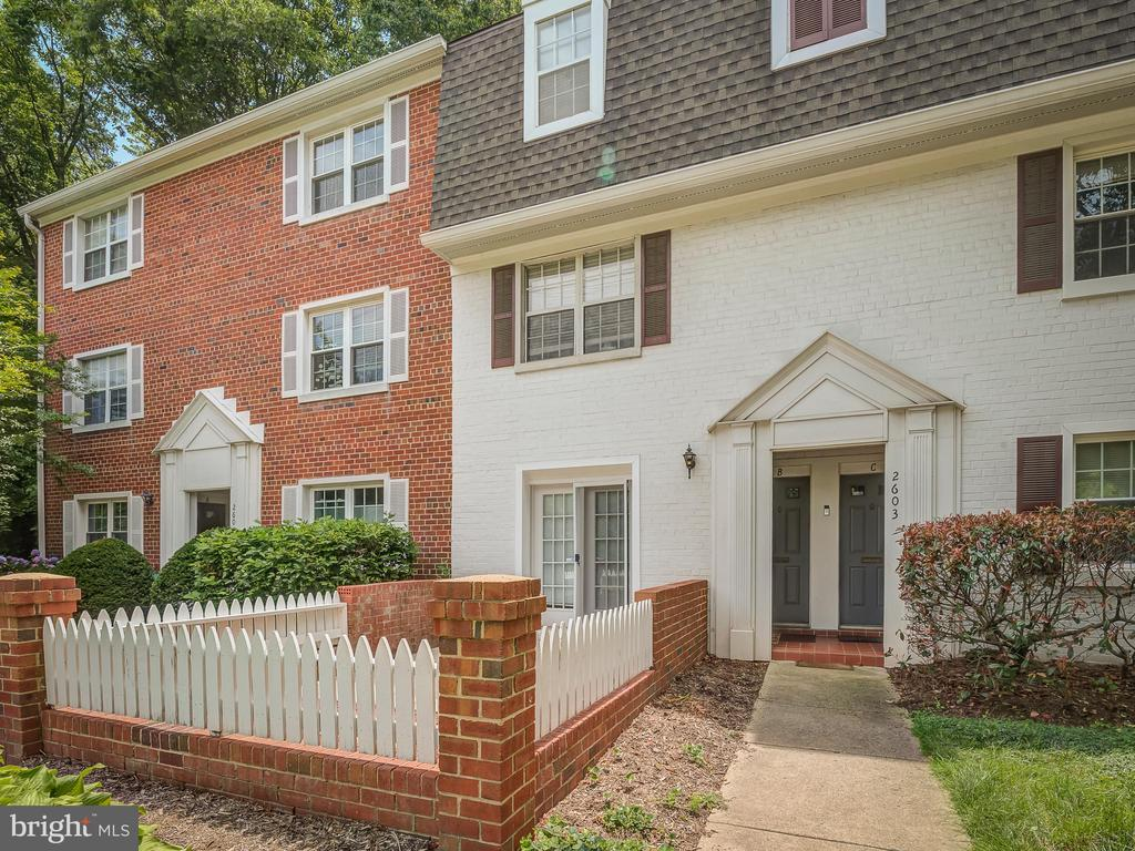 Front View - 2603 S WALTER REED DR #A, ARLINGTON