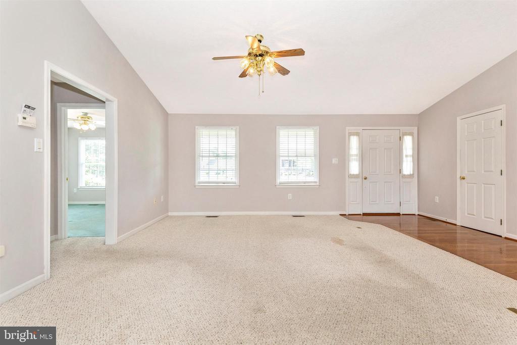 Living Room - 123 BENNETT DR, THURMONT