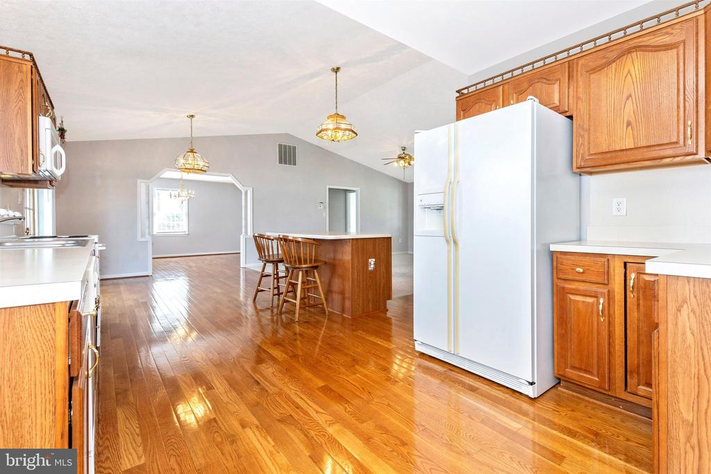 Kitchen - 123 BENNETT DR, THURMONT