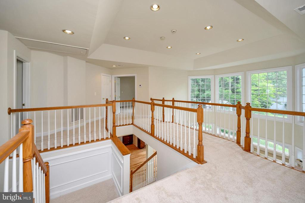 Dual Open Stairs upstairs overlook into Great Room - 2003 MERRIMAC DRIVE, STAFFORD