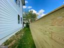 Side privacy fencing from front to rear. - 705 N BARTON ST, ARLINGTON