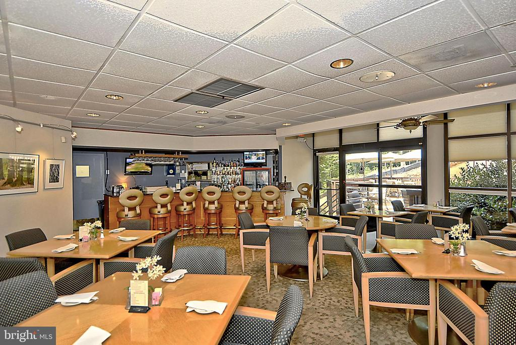 Full service restaurant (that delivers!) - 5904 MOUNT EAGLE DR #309, ALEXANDRIA