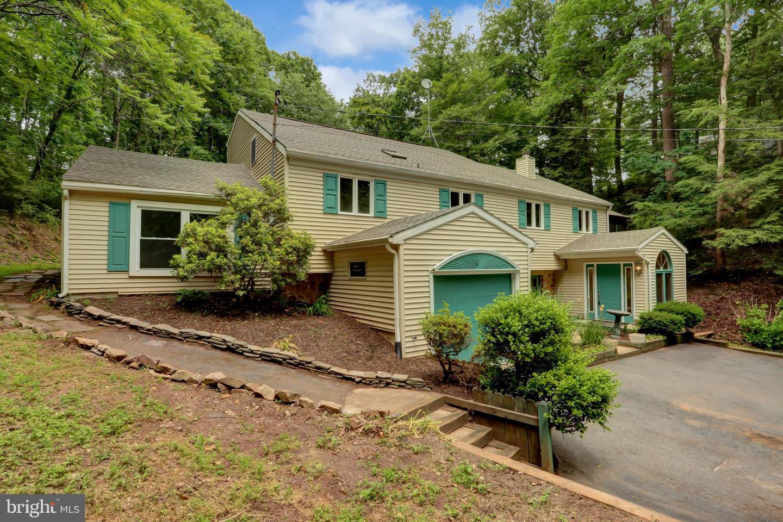 Quadraplex for Sale at Duncannon, Pennsylvania 17020 United States