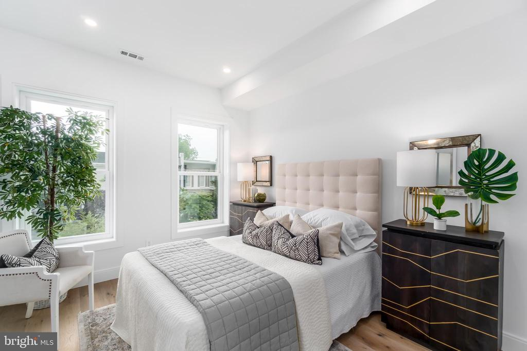 Second spacious bedroom - 432 MANOR PL NW #2, WASHINGTON