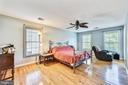 Huge Master bedroom - 43351 RITTER LN, CHANTILLY