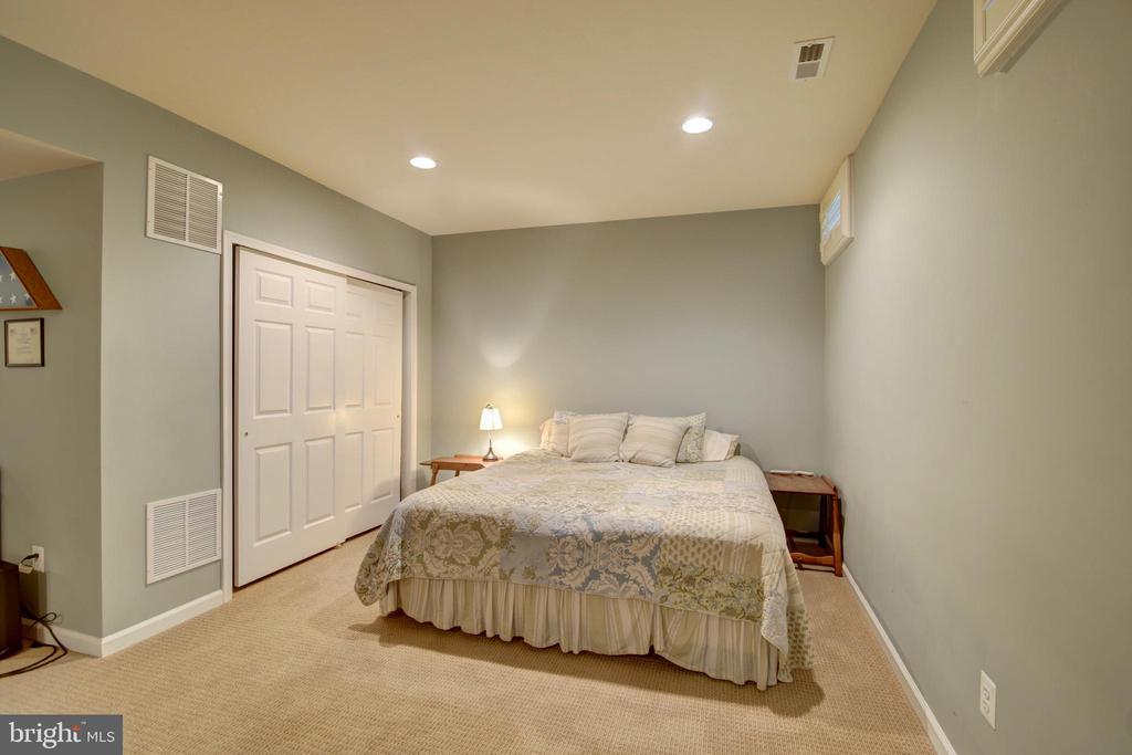Full Basement Bedroom - 43224 BALTUSROL TER, ASHBURN