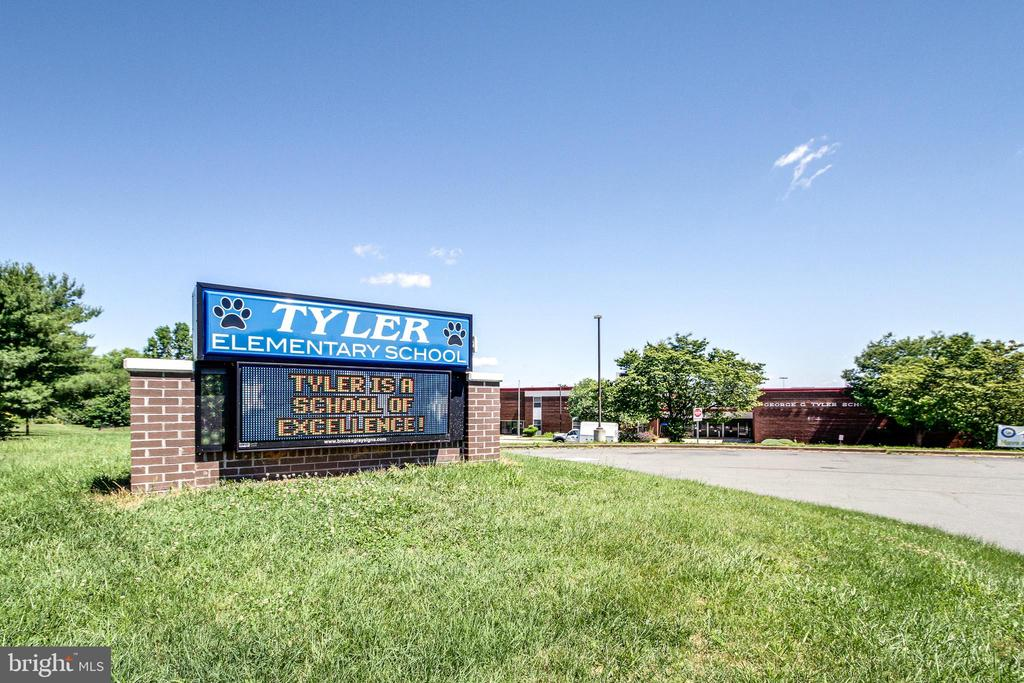 Elementary School nearby - 7166 LITTLE THAMES DR #181, GAINESVILLE