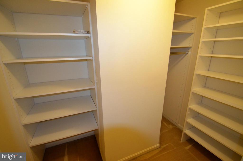 Huge walk in closet outside loft area - 506 LAWSON WAY, ROCKVILLE