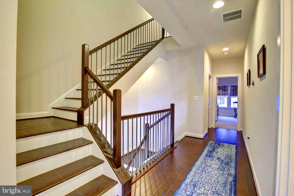 open Staircase leading to all floors - 43388 WHITEHEAD TER, ASHBURN