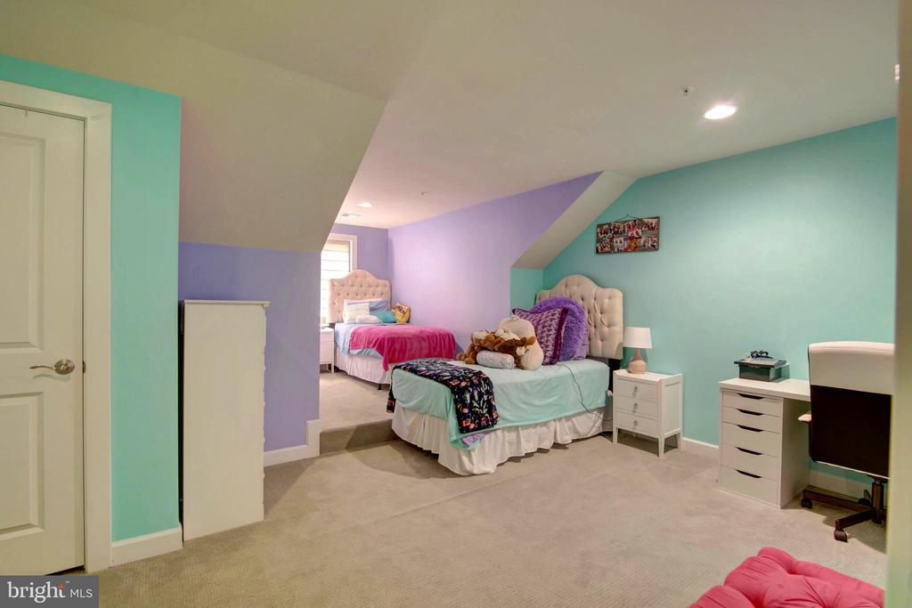 4th Floor Large Bedroom - 43388 WHITEHEAD TER, ASHBURN