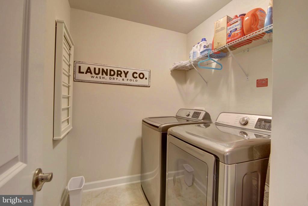 Laundry room - 43388 WHITEHEAD TER, ASHBURN