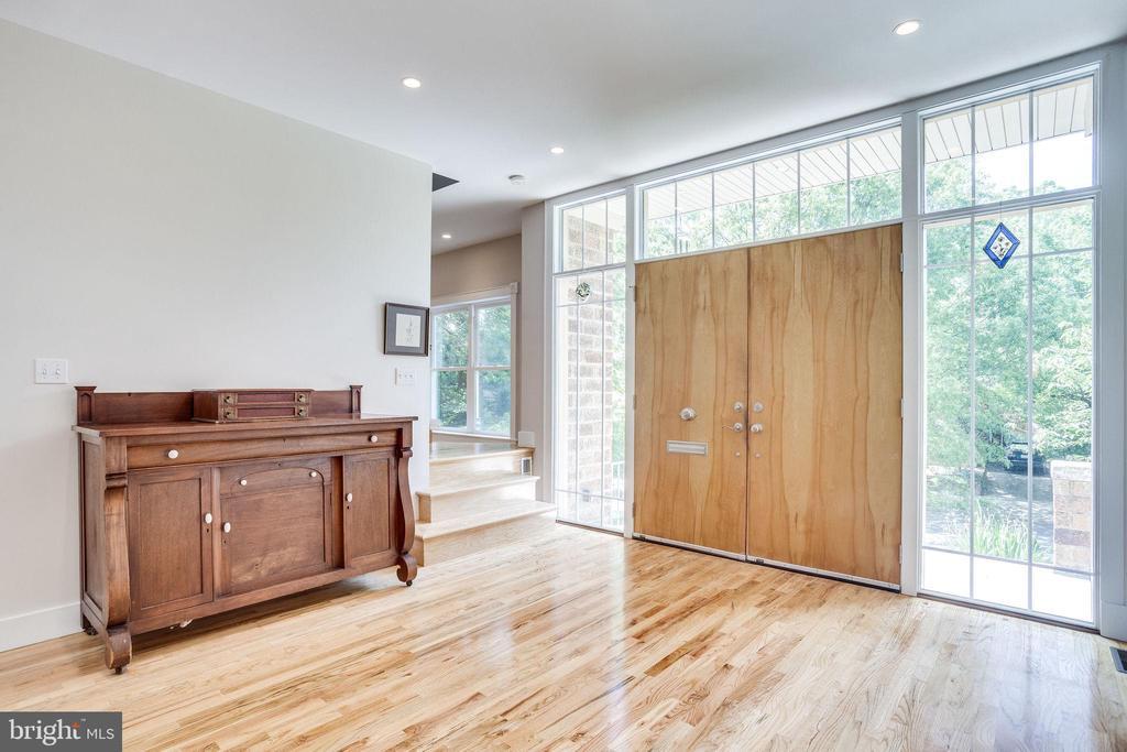 Gleaming hardwood floors throughout - 1504 IRVING ST NE, WASHINGTON