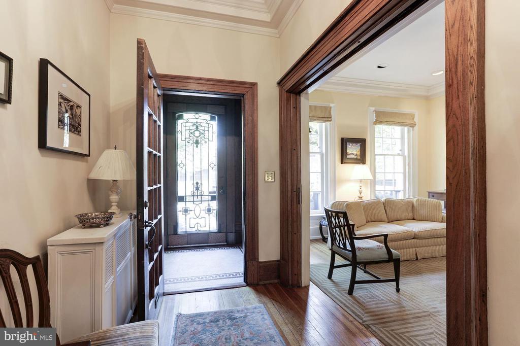 Entry Foyer - 1840 WYOMING AVE NW, WASHINGTON