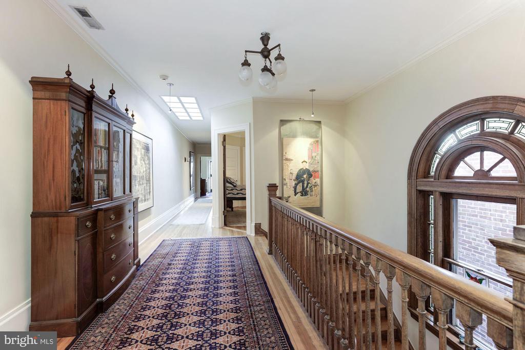 Second Level Hall - 1840 WYOMING AVE NW, WASHINGTON