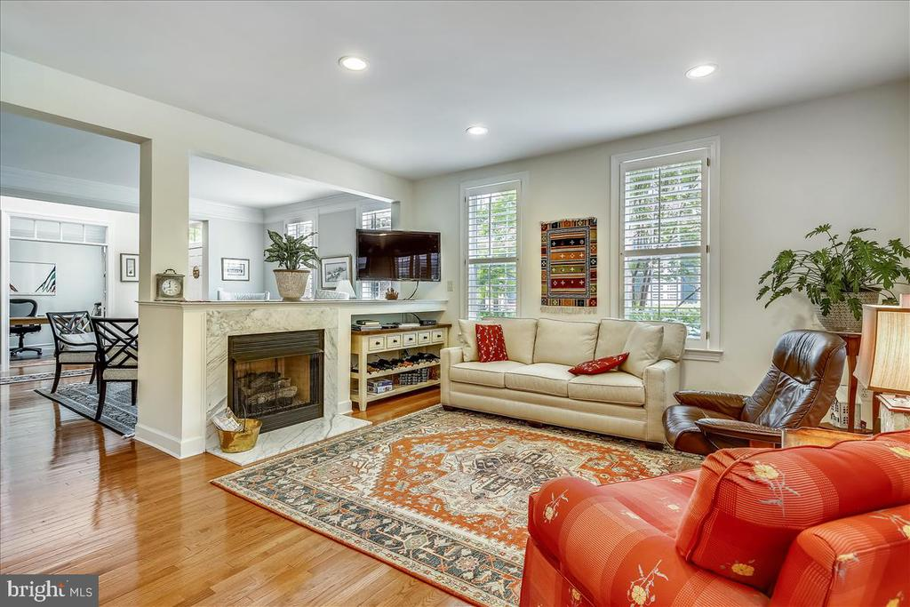 Light, bright FR - 43416 WESTCHESTER SQ, LEESBURG