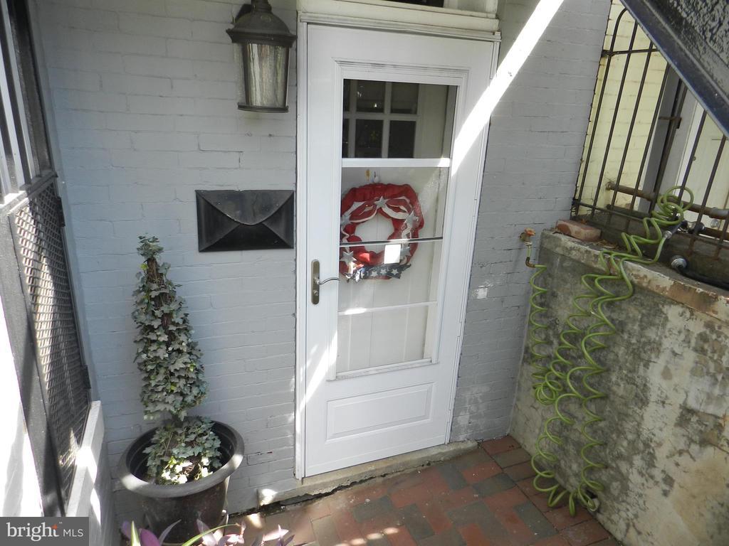 Apartment Front Door - 41 NEW YORK AVE NW, WASHINGTON