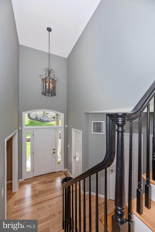 Two story foyer greets you.... - 6799 ACCIPITER DR, NEW MARKET