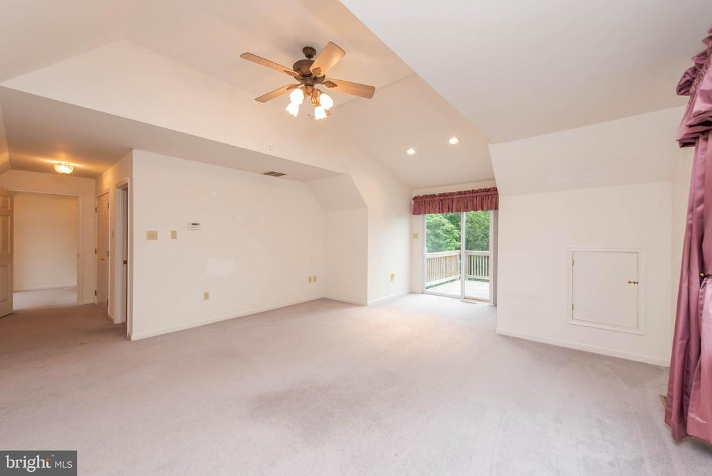 Upper Level In-Law Suite/Rental - 3326 CARLISLE DR, KNOXVILLE