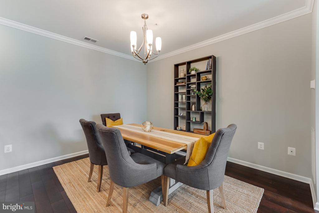 Spacious dining room - 43047 STUARTS GLEN TER #116, ASHBURN
