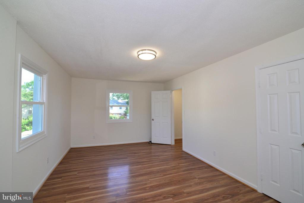 2nd floor 1st bedroom - 9622 KING GEORGE DR, MANASSAS